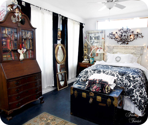 A peek inside indie home tours with vanessa valencia from for Bedroom ideas indie