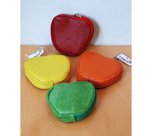 kautumn_apple_pouch1.jpg