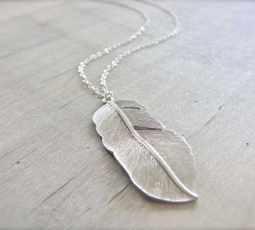pendant_feather_bezzuness1.jpg