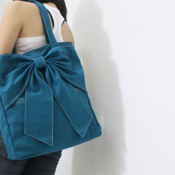 kinies canvas tote bag